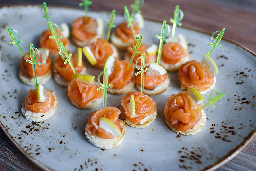 canapes-with-salmon-buffet-438