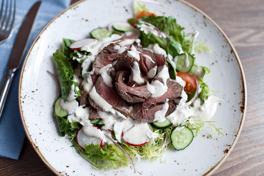 roast-beef-and-tuna-sauce-salad-banquet-169
