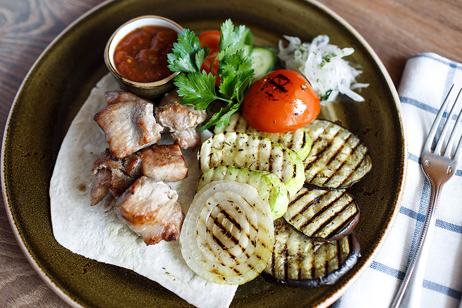 skewers-of-pork-banquet-597